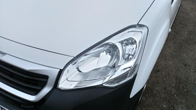2017 Peugeot Partner 850 1.6 Bluehdi 100 Professional Van [Non Ss] (NU67NYF) Image 8