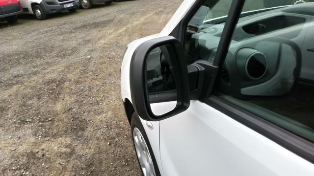 2017 Peugeot Partner 850 1.6 Bluehdi 100 Professional Van [Non Ss] (NU67NYF) Image 9