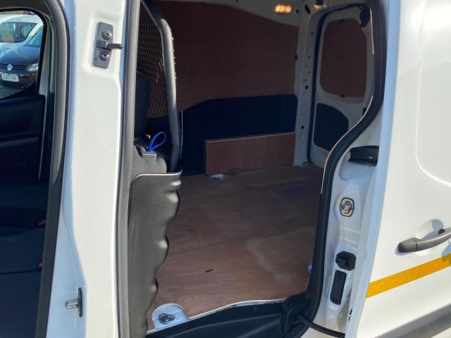 2017 Peugeot Partner 850 1.6 Bluehdi 100 Professional Van [Non Ss] (NU67OAX) Image 9