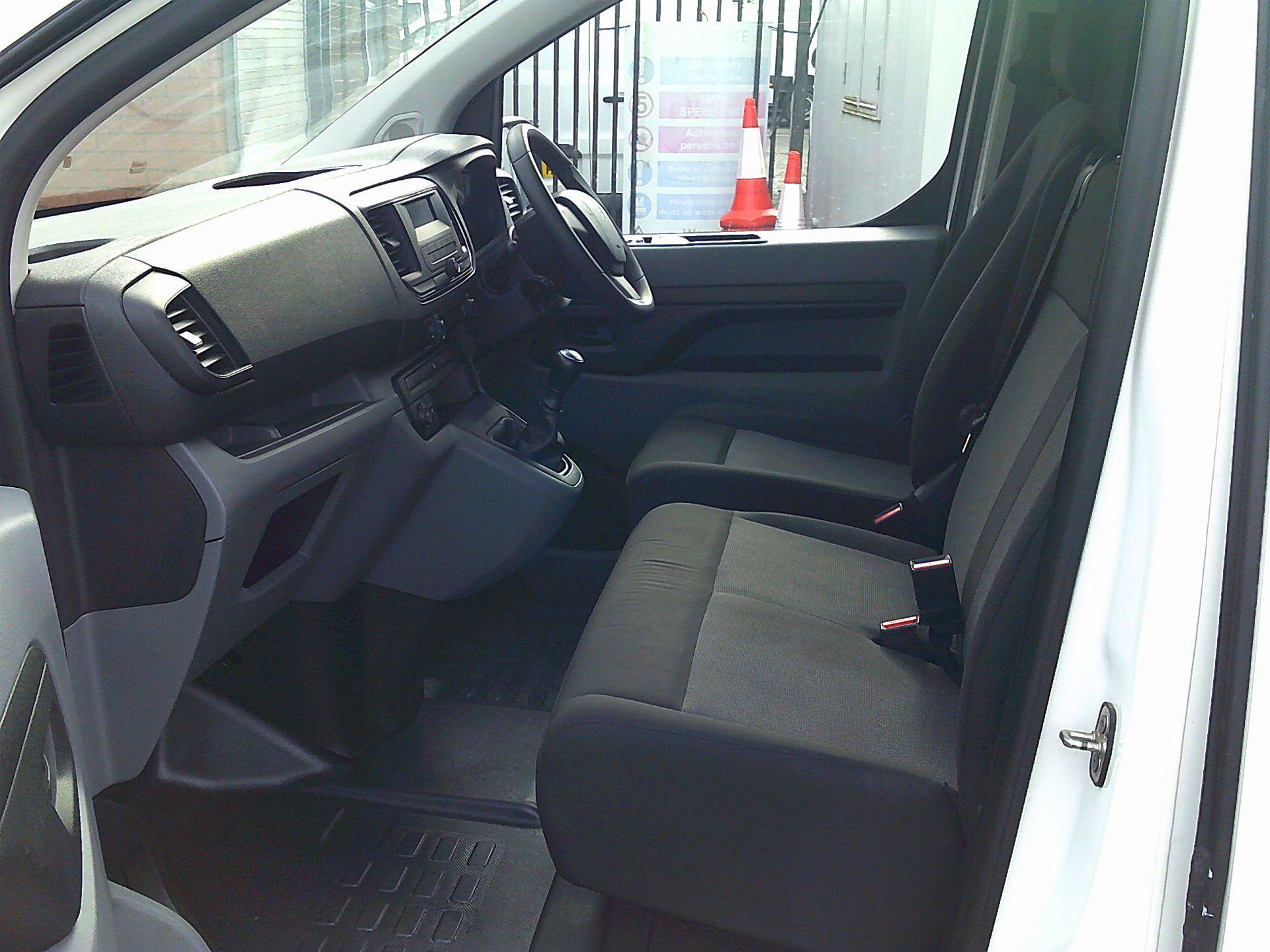 2017 Peugeot Expert 1000 1.6 Bluehdi 95 S Van (NU67ONA) Image 5