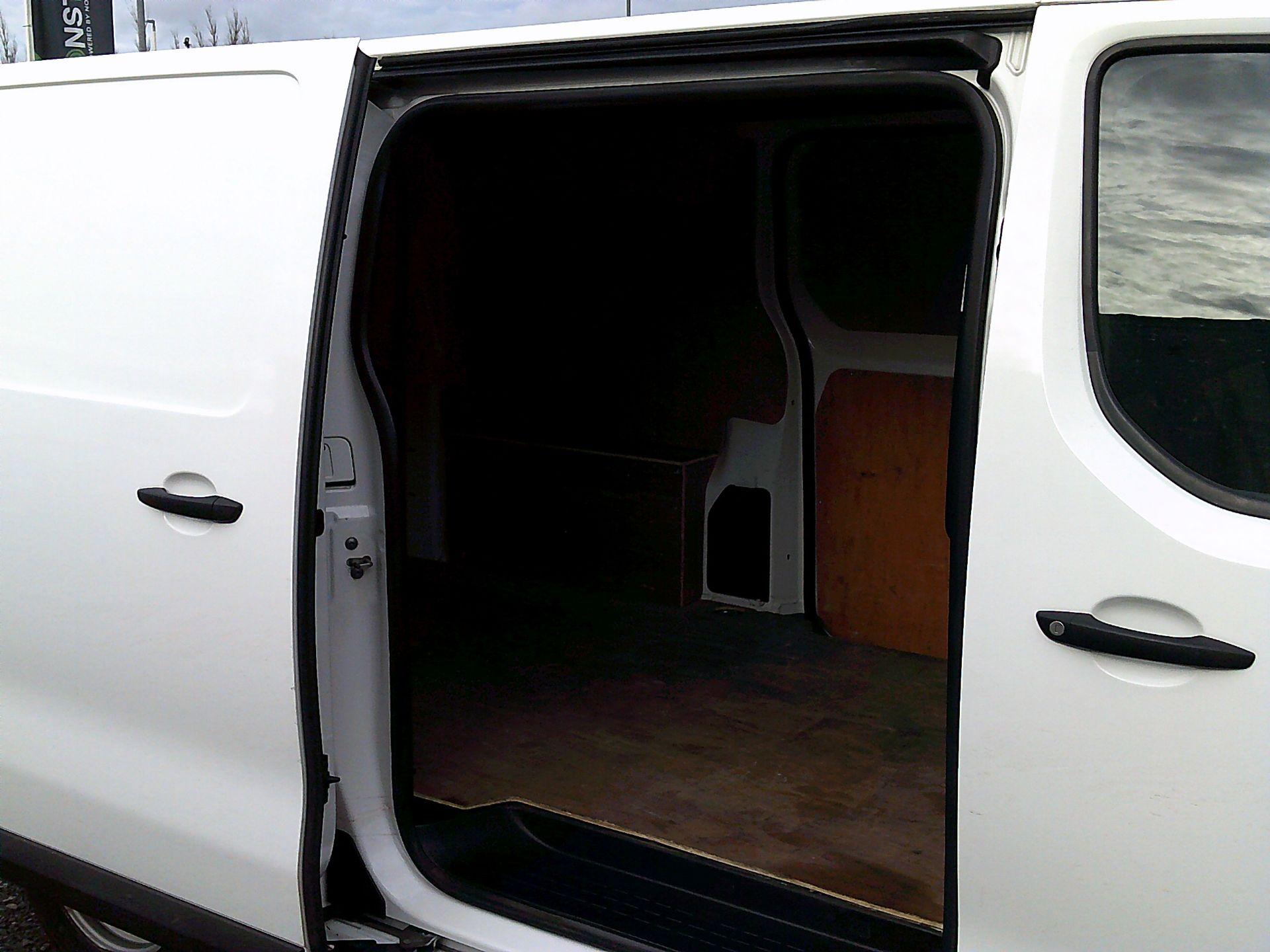 2017 Peugeot Expert 1000 1.6 Bluehdi 95 S Van (NU67ONA) Image 16