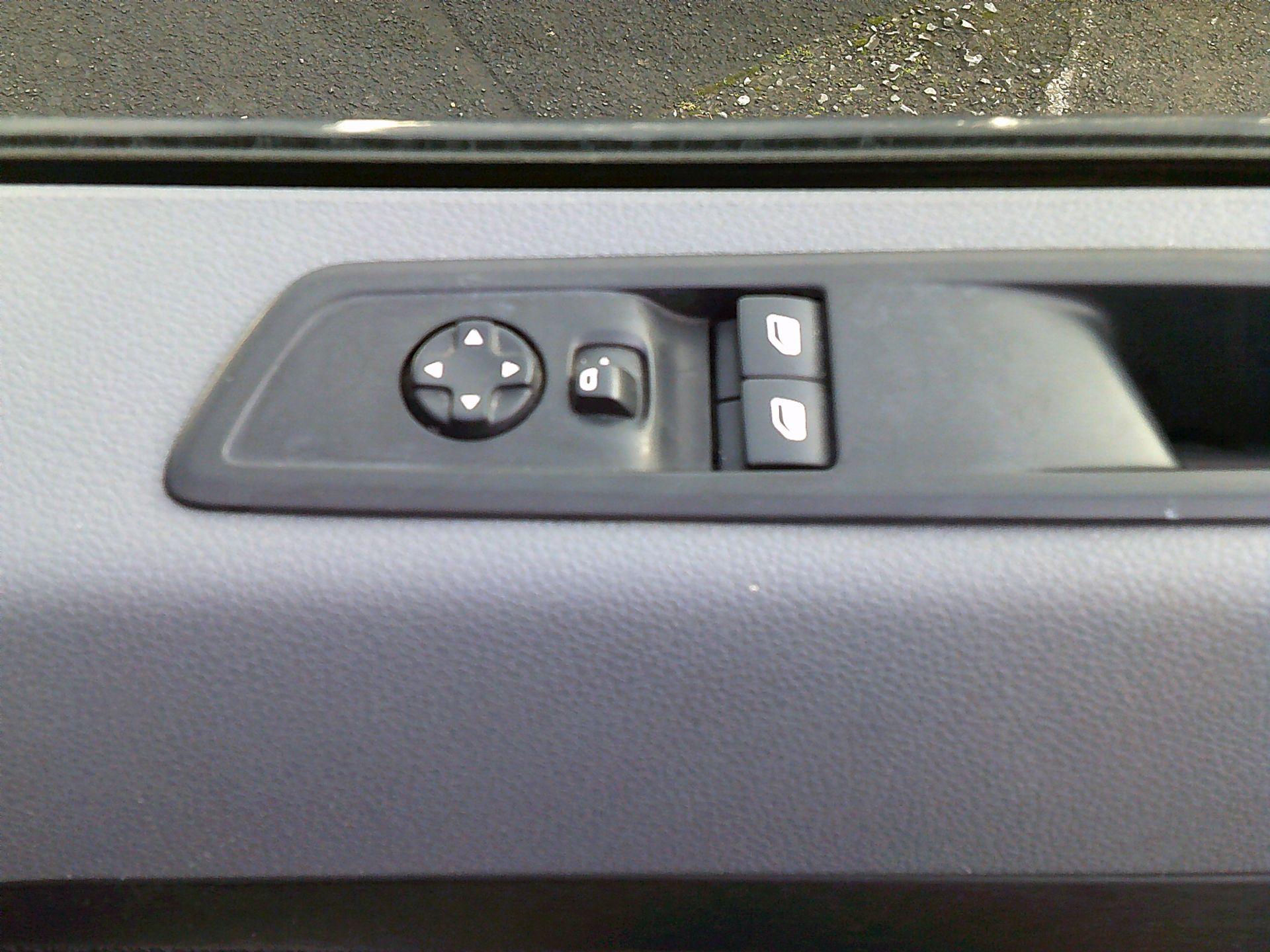 2017 Peugeot Expert 1000 1.6 Bluehdi 95 S Van (NU67ONA) Image 19