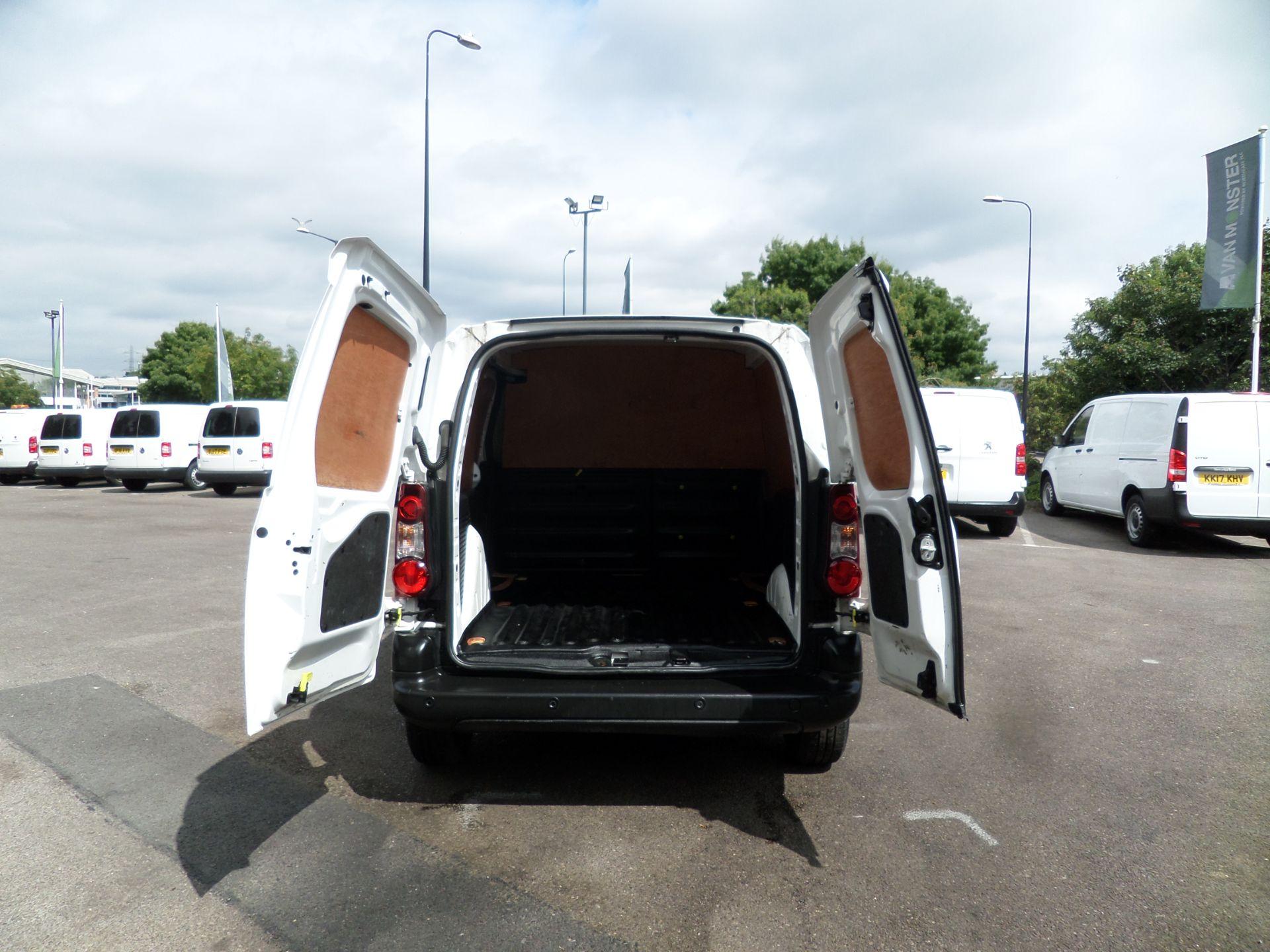 2017 Peugeot Partner 850 1.6 Bluehdi 100 Professional Van [Non Ss] Euro 6 (NU67OWK) Image 4