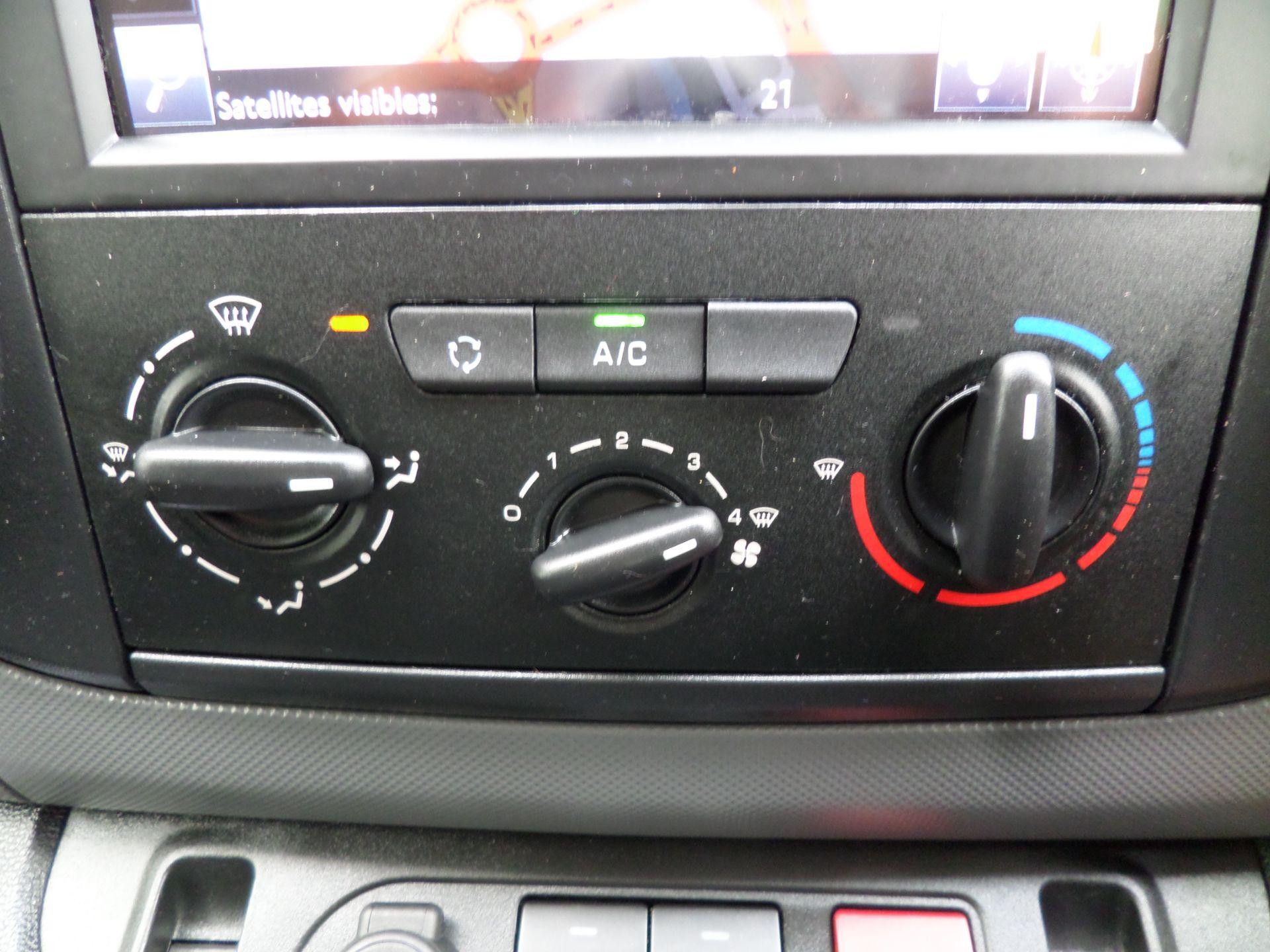 2017 Peugeot Partner 850 1.6 Bluehdi 100 Professional Van [Non Ss] Euro 6 (NU67OWK) Image 16