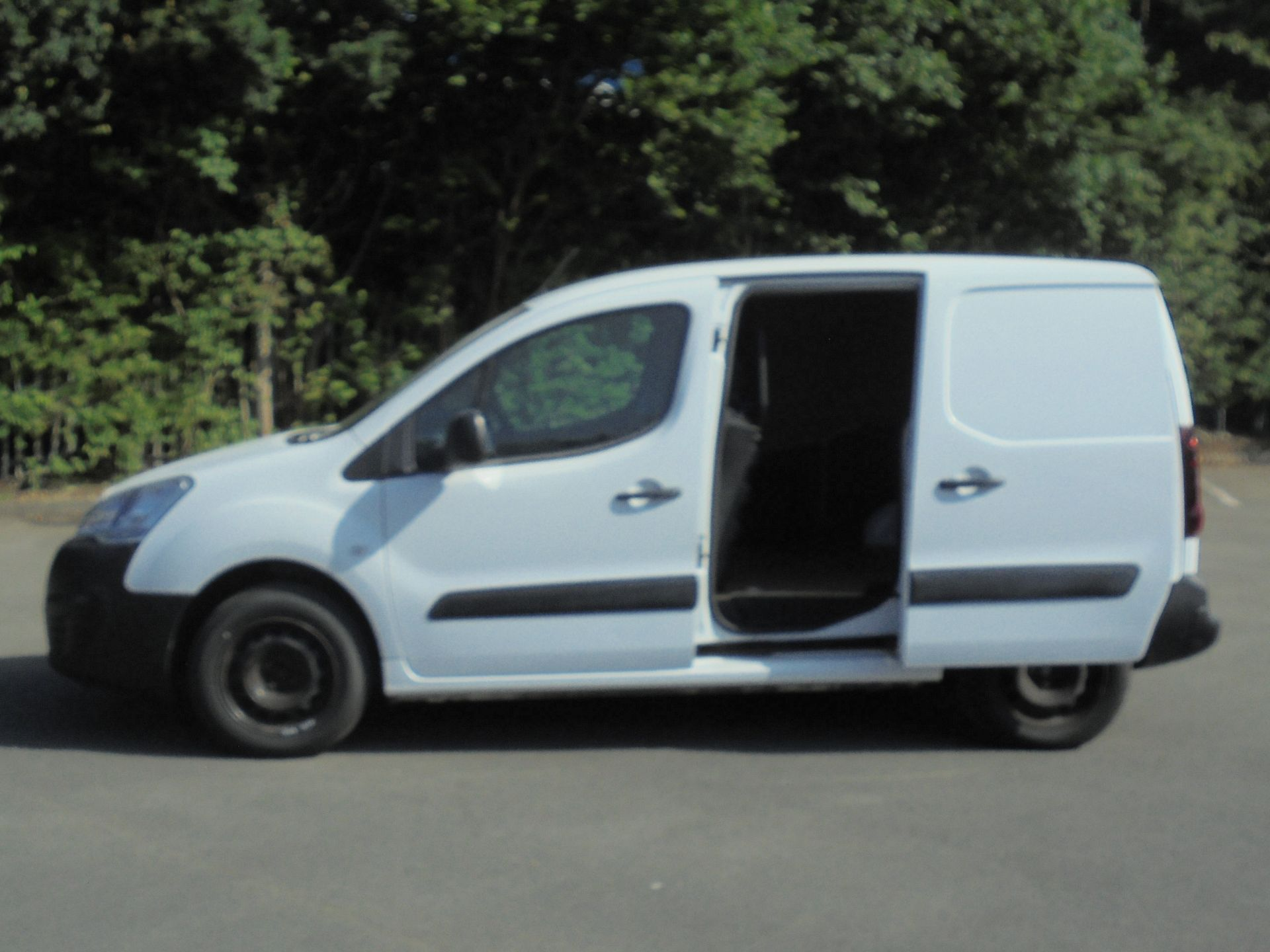 2017 Peugeot Partner 850 1.6 Bluehdi 100 Professional Van [Non Ss] (NU67RRY) Image 6