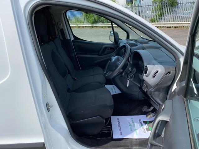 2017 Peugeot Partner 850 1.6 Bluehdi 100 Professional Van [Non Ss] (NU67RZH) Image 13