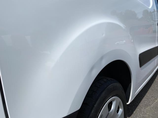 2017 Peugeot Partner 850 1.6 Bluehdi 100 Professional Van [Non Ss] (NU67RZH) Image 17