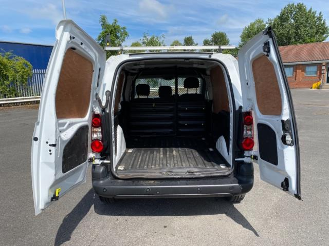 2017 Peugeot Partner 850 1.6 Bluehdi 100 Professional Van [Non Ss] (NU67RZH) Image 12