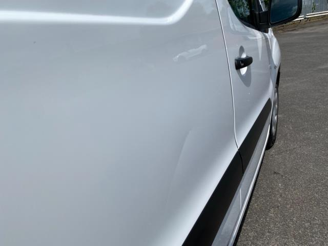 2017 Peugeot Partner 850 1.6 Bluehdi 100 Professional Van [Non Ss] (NU67RZH) Image 18