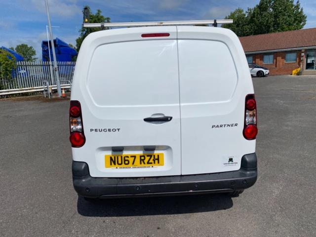 2017 Peugeot Partner 850 1.6 Bluehdi 100 Professional Van [Non Ss] (NU67RZH) Image 6
