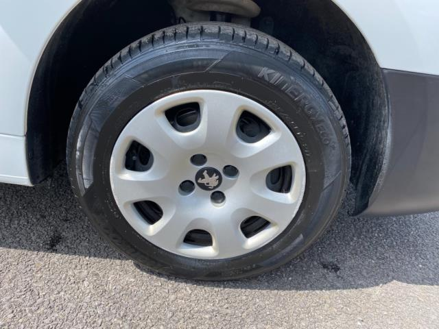 2017 Peugeot Partner 850 1.6 Bluehdi 100 Professional Van [Non Ss] (NU67RZH) Image 9