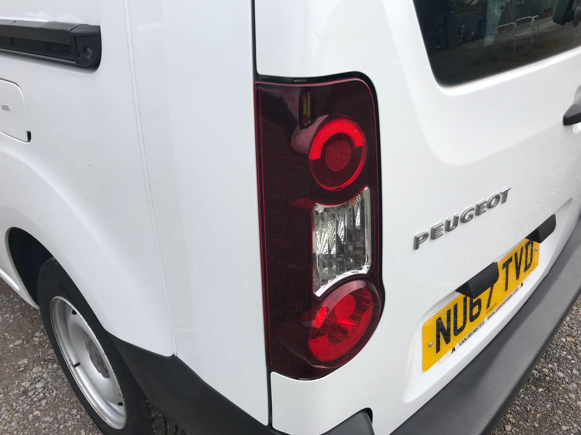 2017 Peugeot Partner  L2 715 S 1.6 BLUEHDI 100 CREW VAN EURO 6 (NU67TVD) Image 38