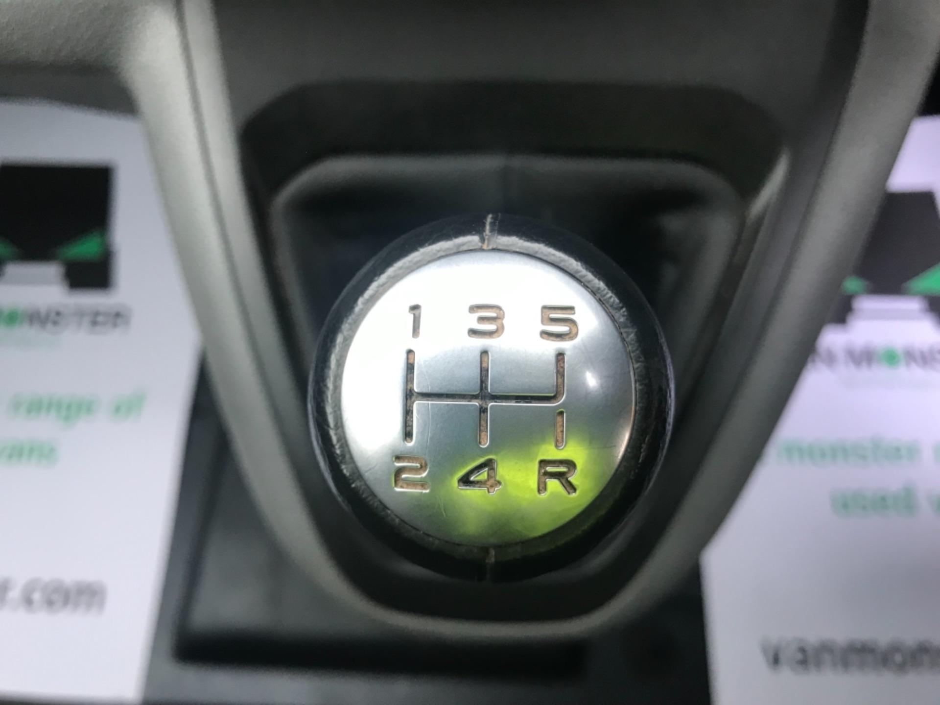 2017 Peugeot Expert  STANDARD 1000 1.6 BLUEHDI 95 S EURO 6 (NU67WKX) Image 18