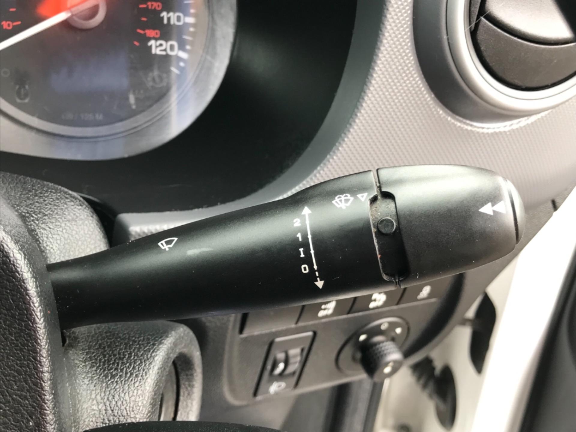2017 Peugeot Partner 850 1.6 Bluehdi 100 Professional Van [Non Ss] (NU67XCY) Image 17