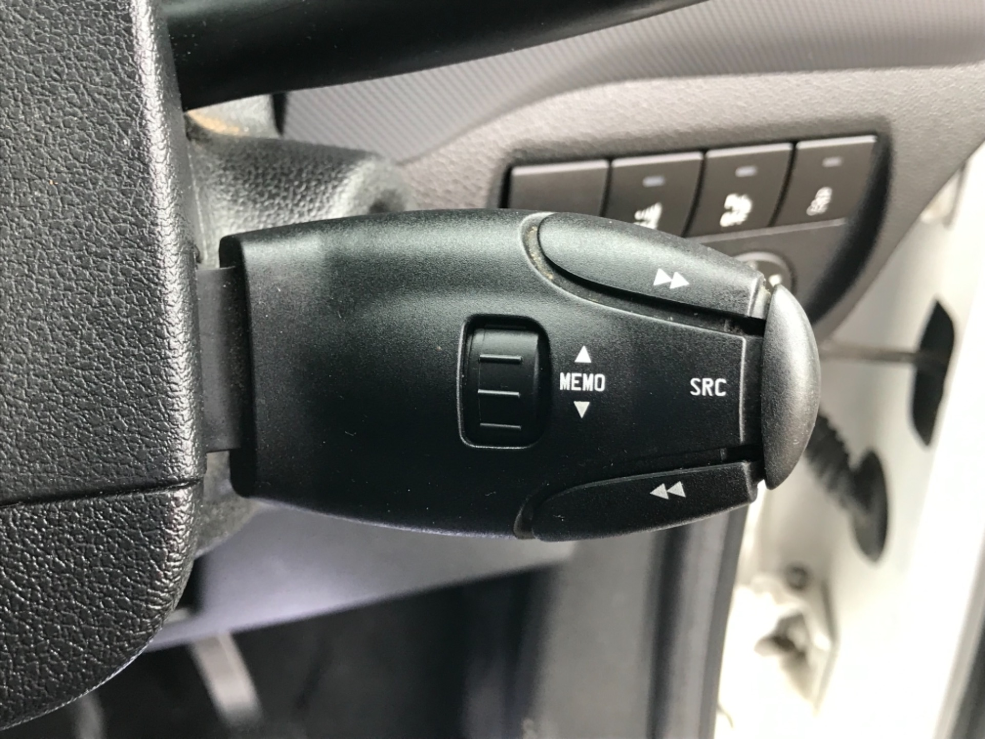 2017 Peugeot Partner 850 1.6 Bluehdi 100 Professional Van [Non Ss] (NU67XCY) Image 18