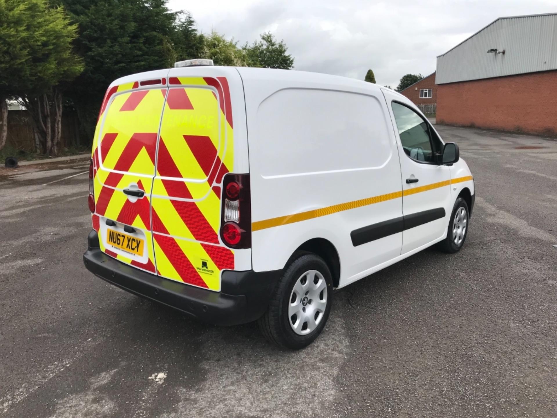 2017 Peugeot Partner 850 1.6 Bluehdi 100 Professional Van [Non Ss] (NU67XCY) Image 7