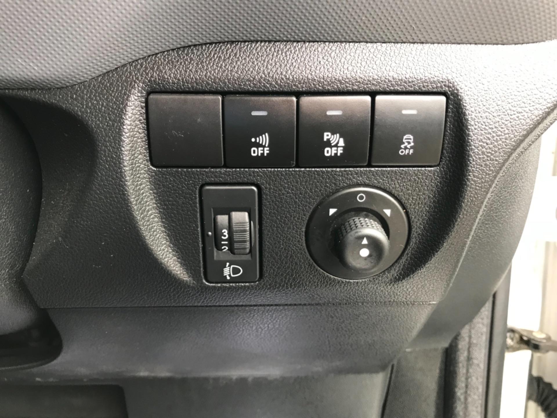 2017 Peugeot Partner 850 1.6 Bluehdi 100 Professional Van [Non Ss] (NU67XCY) Image 19