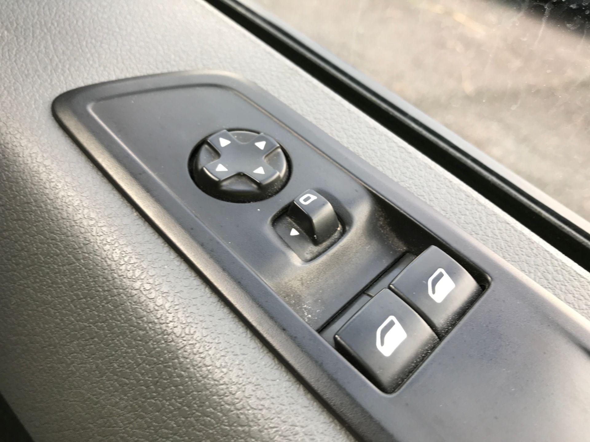 2017 Peugeot Expert 1000 1.6BLUEHDI S 95PS EURO 6 (NU67XYA) Image 26
