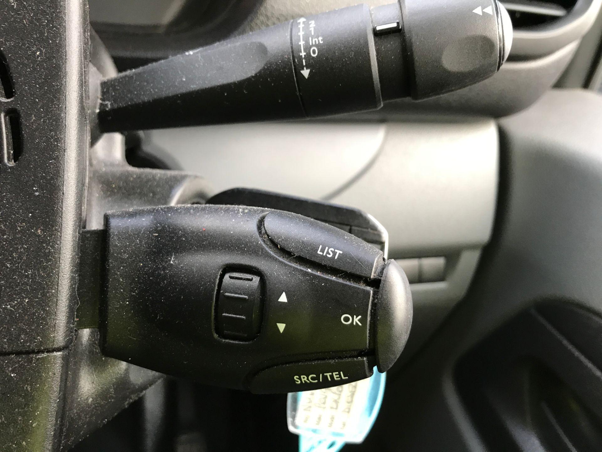 2017 Peugeot Expert 1000 1.6BLUEHDI S 95PS EURO 6 (NU67XYA) Image 25
