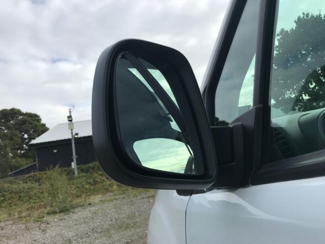 2017 Peugeot Partner 715 S 1.6 Bluehdi 100 Crew Van Euro 6 (NU67YLJ) Image 16