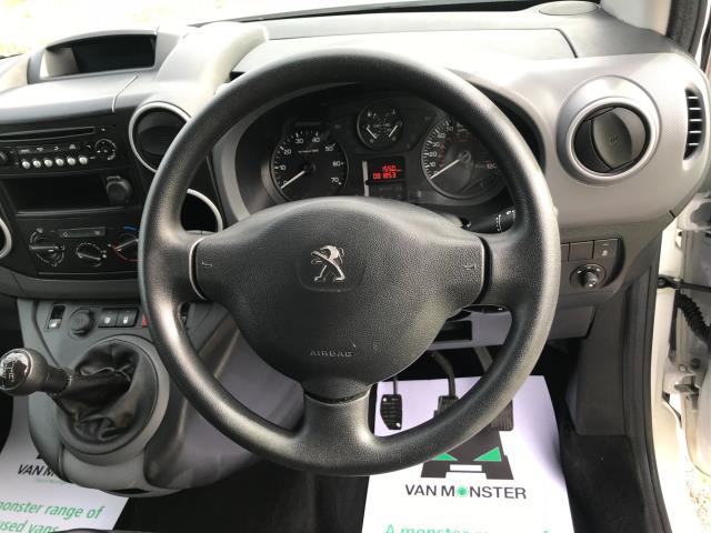2017 Peugeot Partner 715 S 1.6 Bluehdi 100 Crew Van Euro 6 (NU67YLJ) Image 30