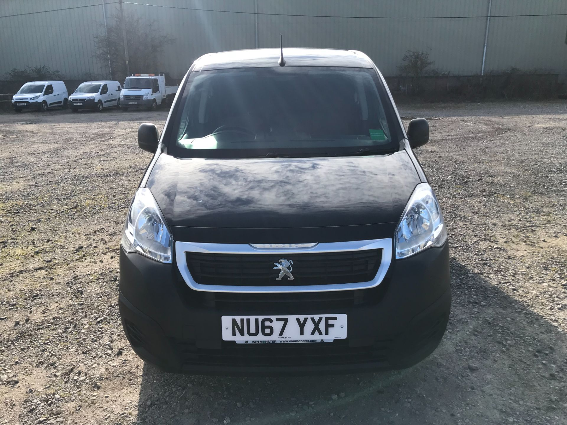 2017 Peugeot Partner 850 1.6 Bluehdi 100 Professional Van [Non Ss] *Restricted to 70 MPH* Euro 6 (NU67YXF) Image 2