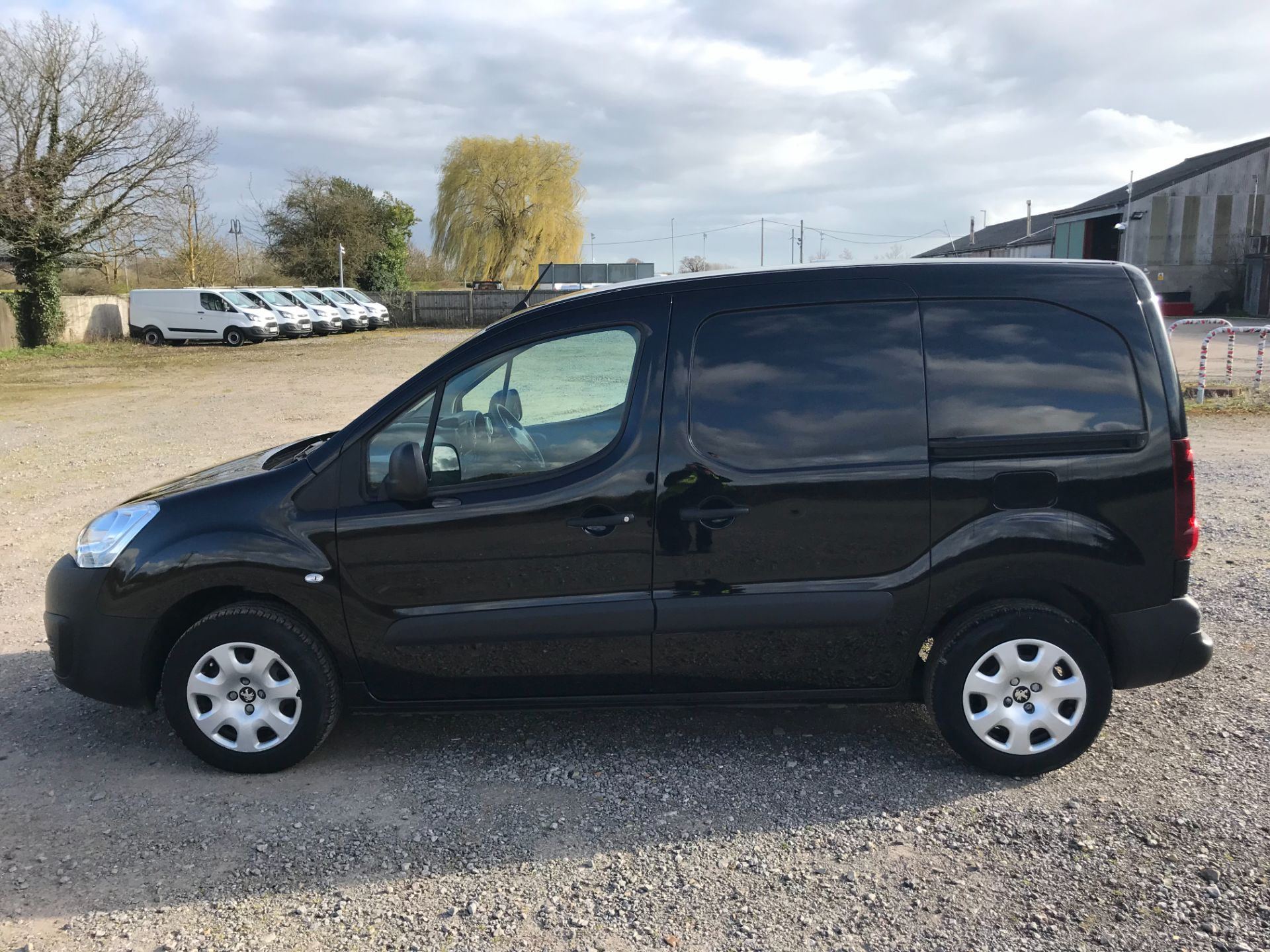 2017 Peugeot Partner 850 1.6 Bluehdi 100 Professional Van [Non Ss] *Restricted to 70 MPH* Euro 6 (NU67YXF) Image 7