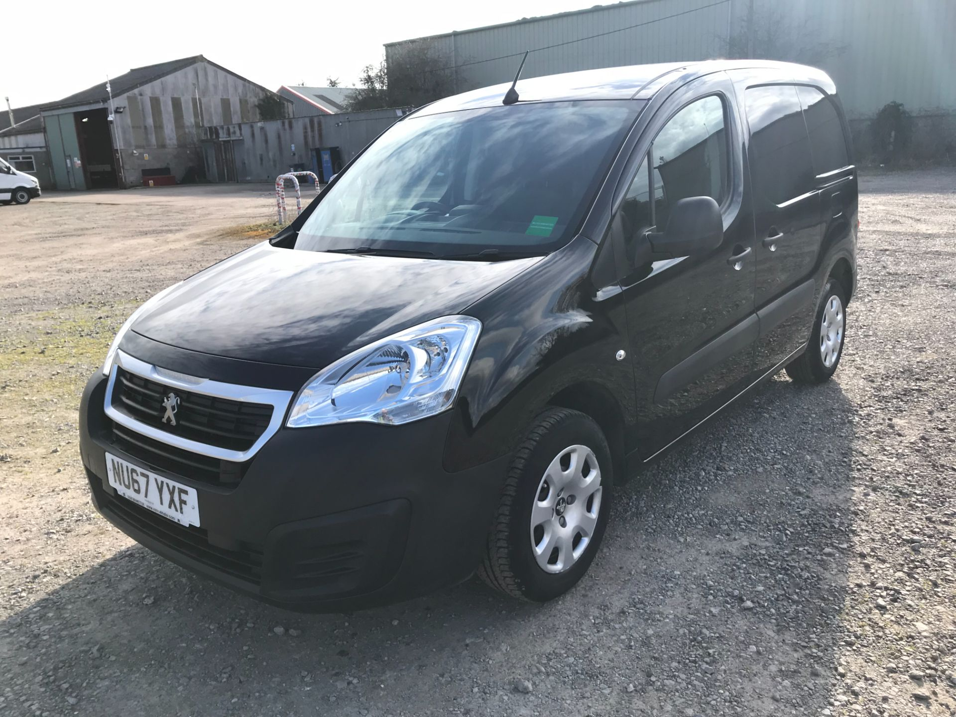 2017 Peugeot Partner 850 1.6 Bluehdi 100 Professional Van [Non Ss] *Restricted to 70 MPH* Euro 6 (NU67YXF) Image 3