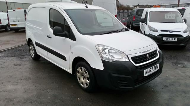 2017 Peugeot Partner 850 1.6 Bluehdi 100 Professional Van [Non Ss] (NU67ZMV) Image 1