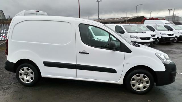 2017 Peugeot Partner 850 1.6 Bluehdi 100 Professional Van [Non Ss] (NU67ZMV) Image 2