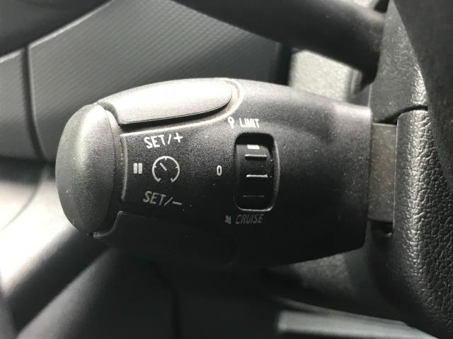 2017 Peugeot Partner L1 850 1.6 BLUEHDI 100 PROFESSIONAL (NON S/S)EURO 6 (NU67ZVE) Image 25