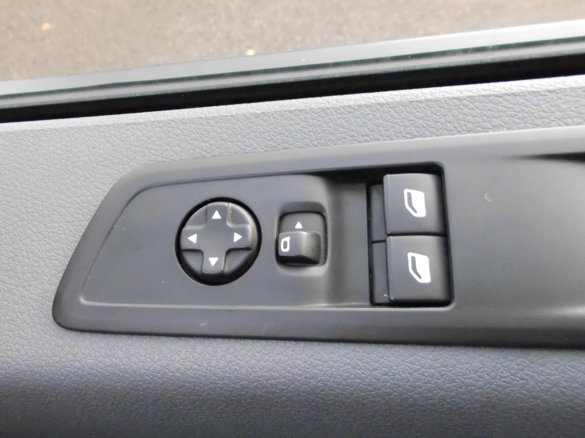 2018 Peugeot Expert STANDARD 1000 1.6 BLUEHDI 95 PROFESSIONAL EURO 6 (NU68BFK) Image 22