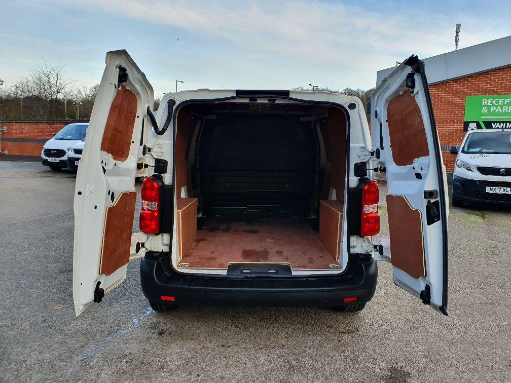 2018 Peugeot Expert STANDARD 1000 1.6 BLUEHDI 95 PROFESSIONAL EURO 6 (NU68BFM) Image 13