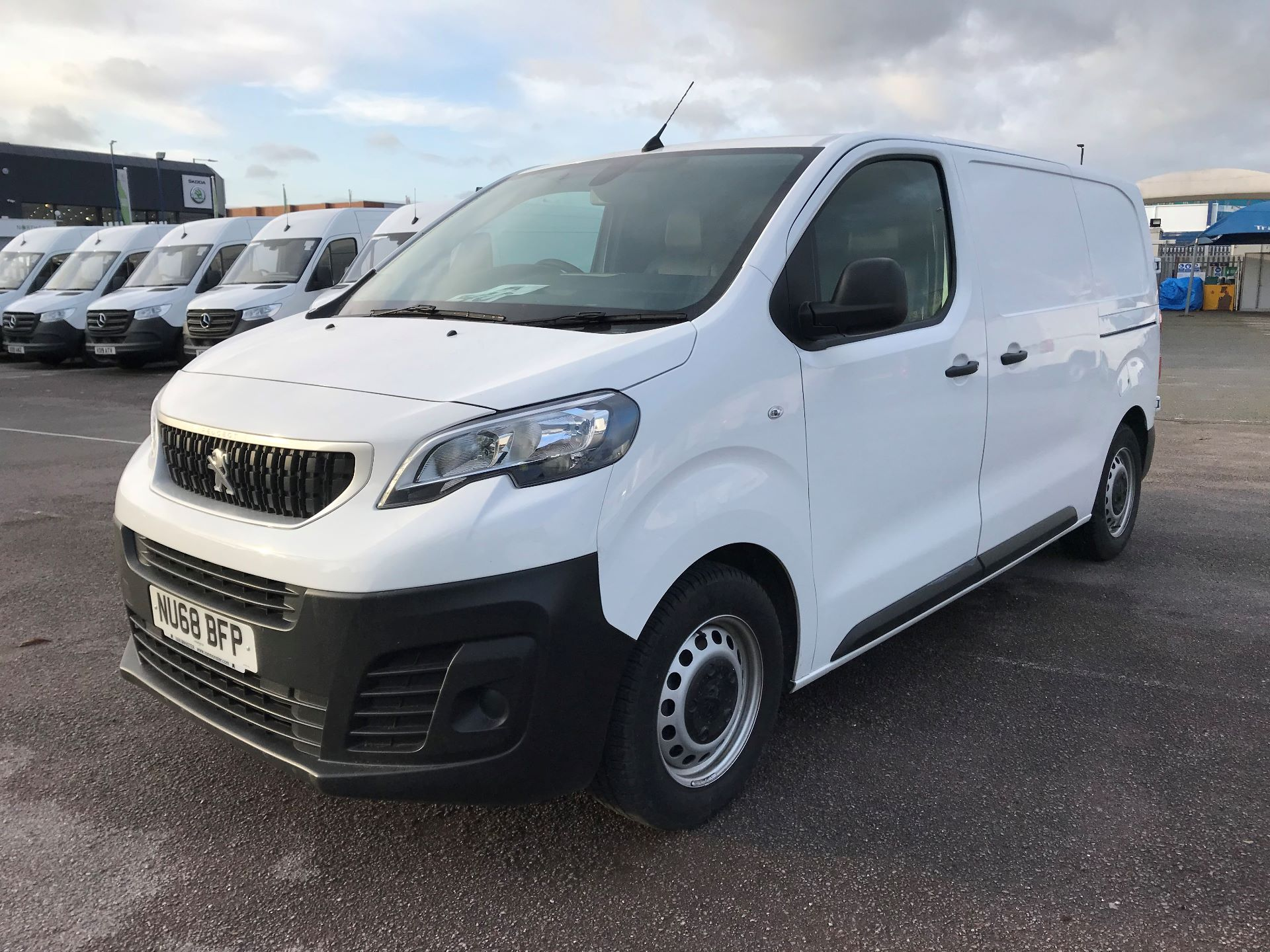 2018 Peugeot Expert   STANDARD 1000 1.6 BLUEHDI 95 PROFFESSIONAL EURO 6 (NU68BFP) Image 2