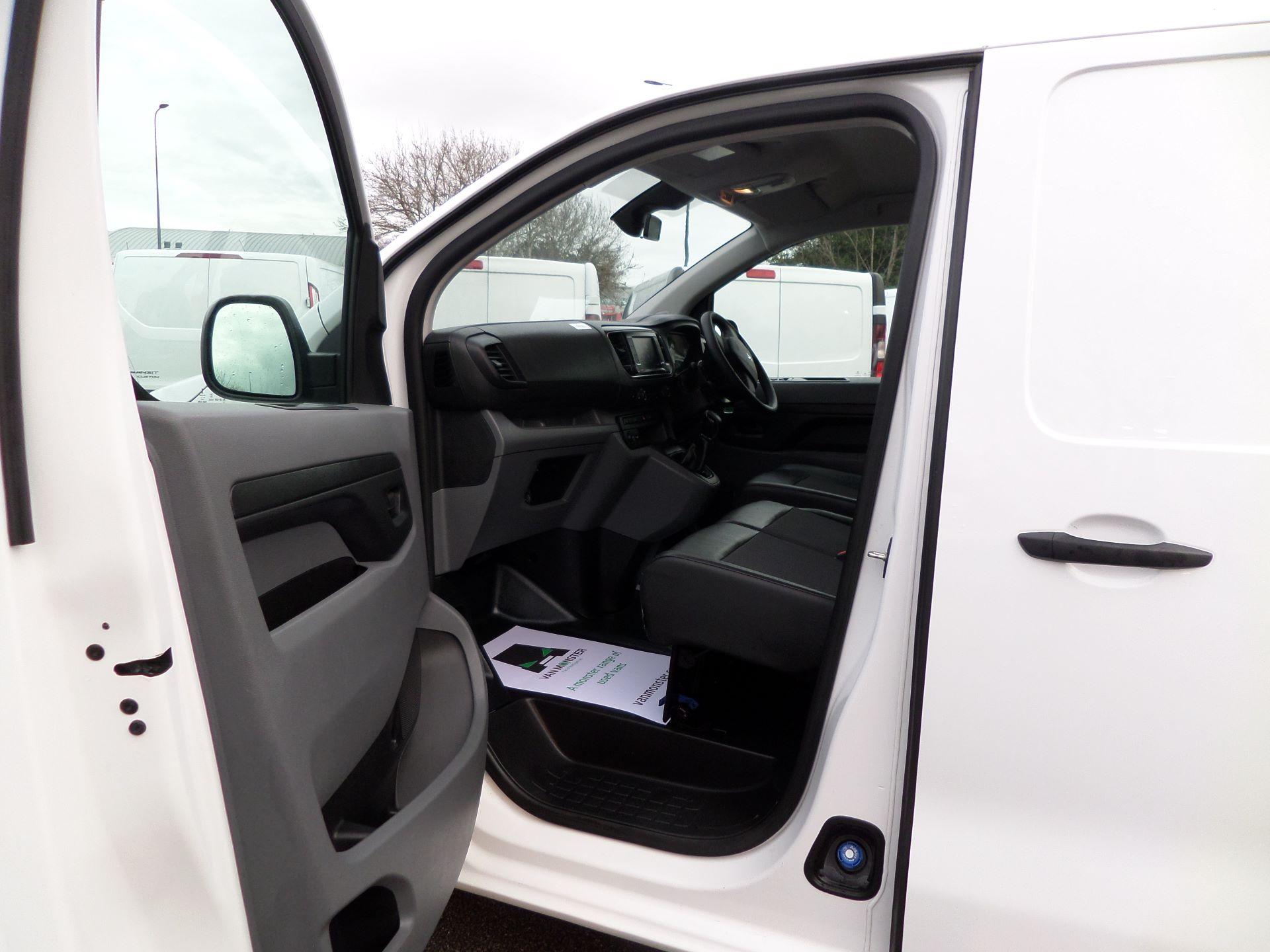 2018 Peugeot Expert 1000 1.6 Bluehdi 95 Professional Van Euro 6 (NU68BFX) Image 9
