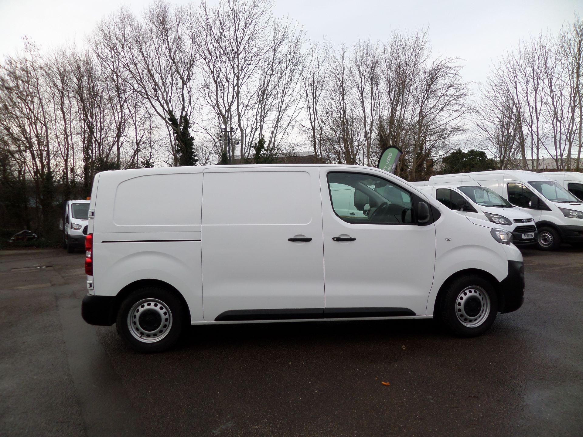 2018 Peugeot Expert 1000 1.6 Bluehdi 95 Professional Van Euro 6 (NU68BFX) Image 2