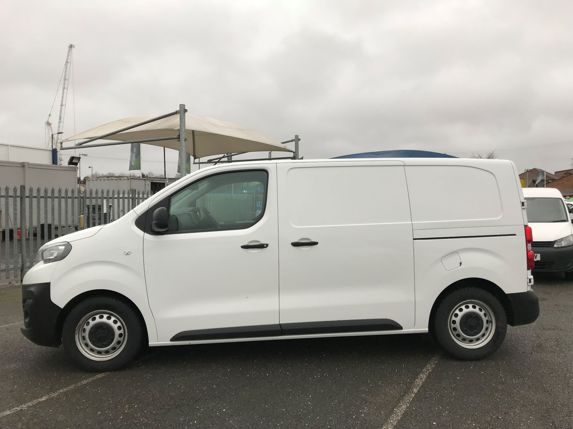 2018 Peugeot Expert   STANDARD 1000 1.6 BLUEHDI 95 PROFFESSIONAL EURO 6 (NU68CVO) Image 11