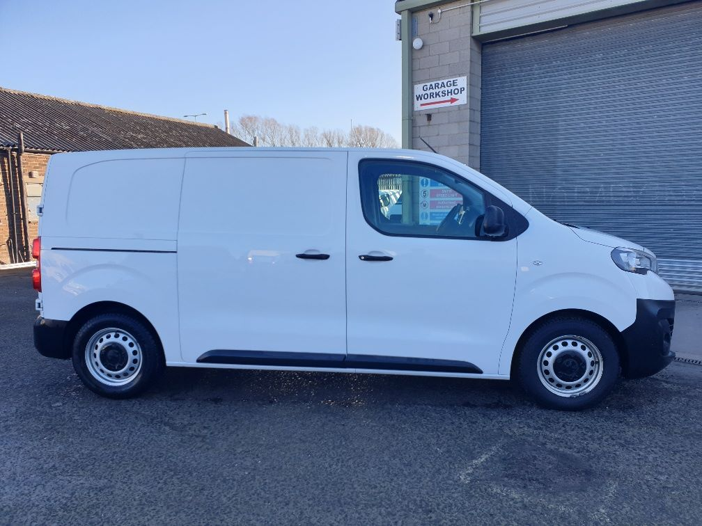 2018 Peugeot Expert STANDARD 1000 1.6 BLUE HDI 95 PROFFESSIONAL EURO 6 (NU68GDX) Image 12