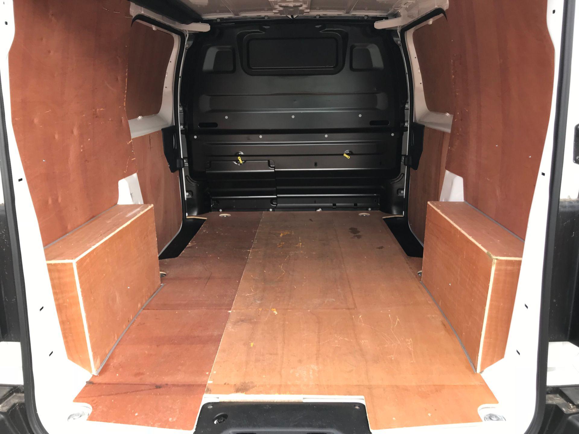 2018 Peugeot Expert 1000 1.6 Bluehdi 95 Professional Van (NU68GFK) Image 12