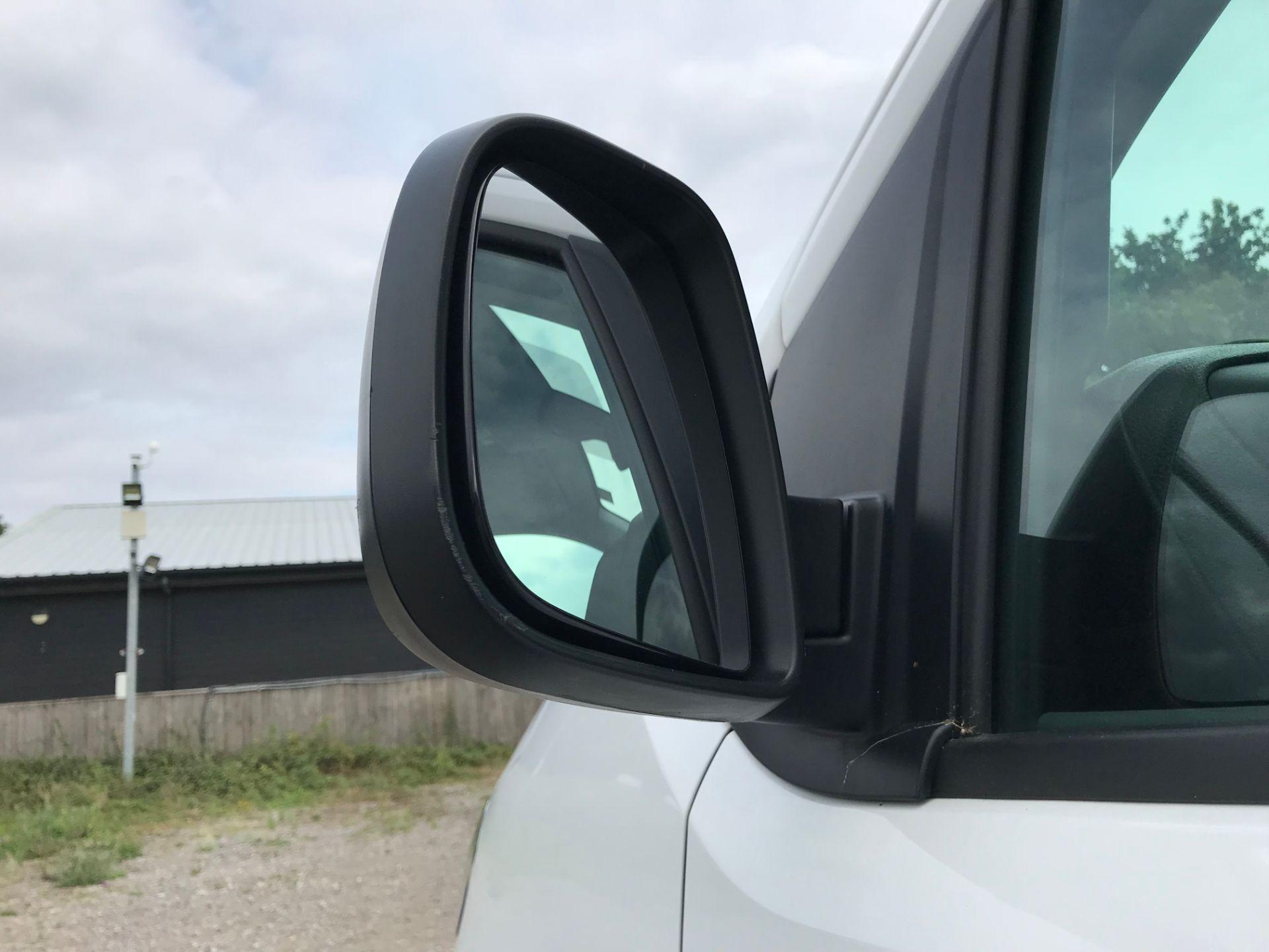 2018 Peugeot Expert 1000 1.6 Bluehdi 95 Professional Van (NU68GFK) Image 14