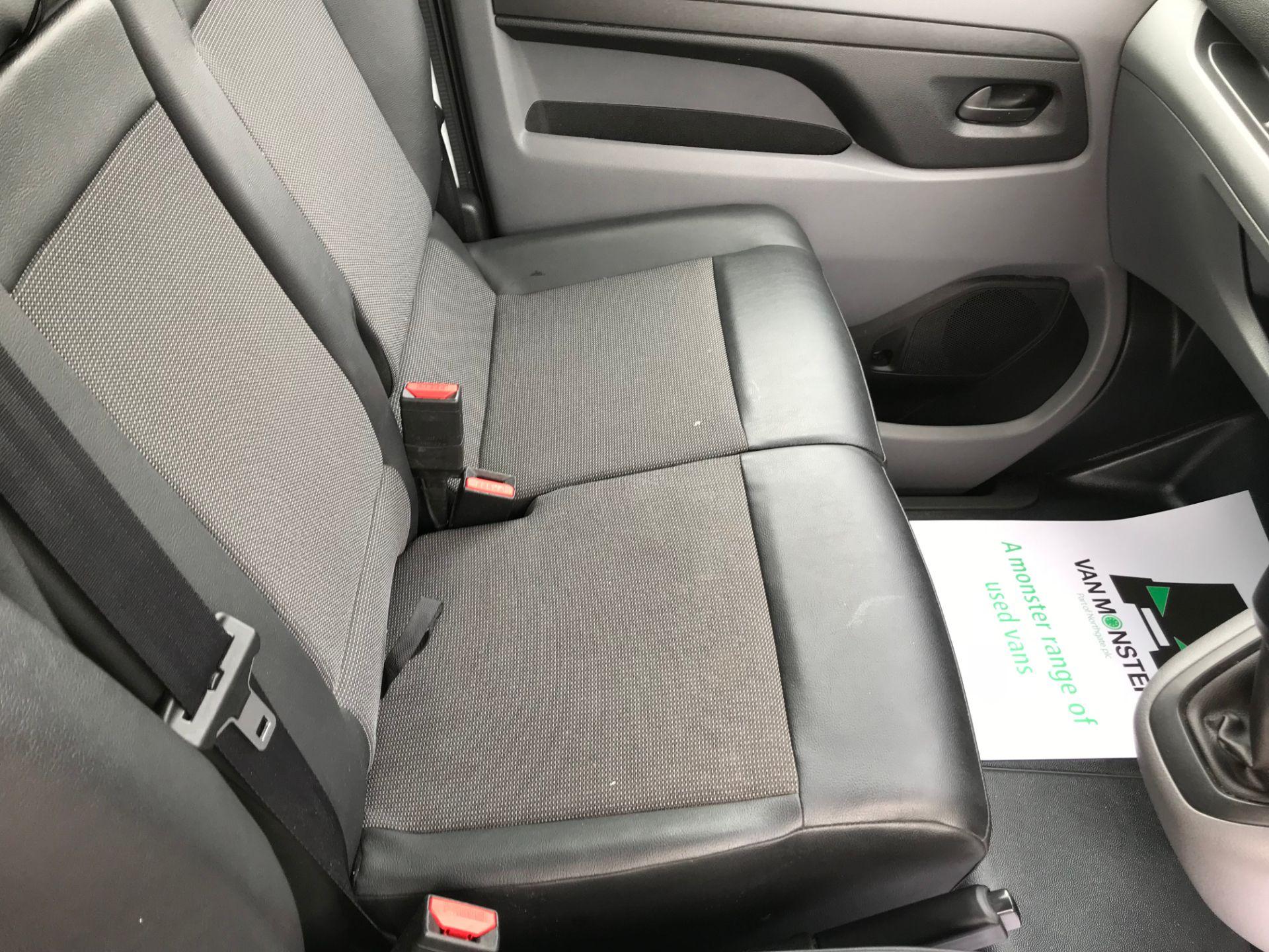 2018 Peugeot Expert 1000 1.6 Bluehdi 95 Professional Van (NU68GFK) Image 24
