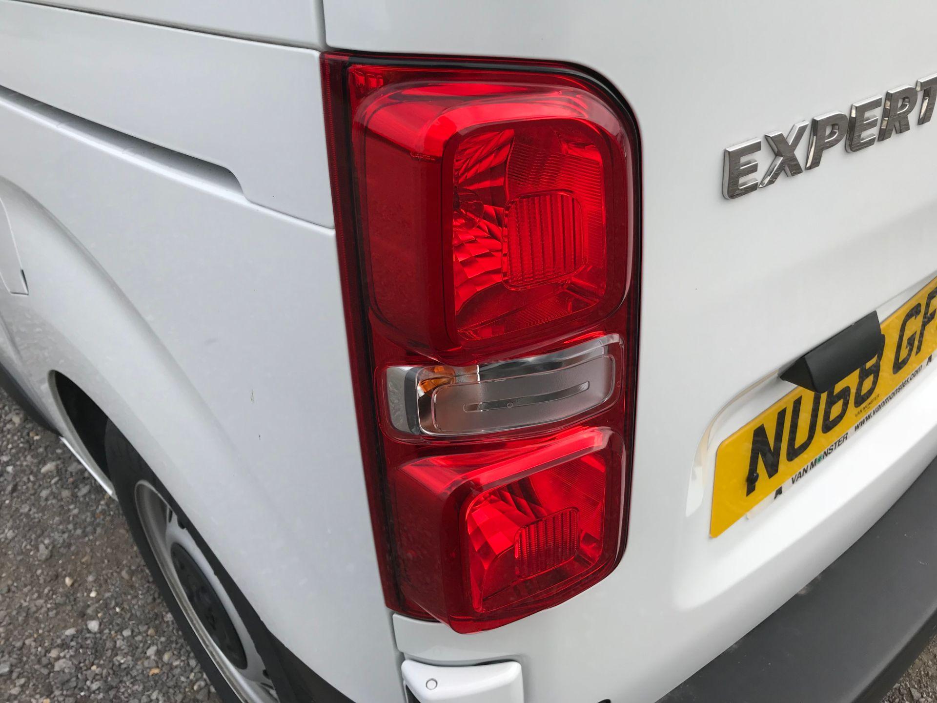 2018 Peugeot Expert 1000 1.6 Bluehdi 95 Professional Van (NU68GFK) Image 16
