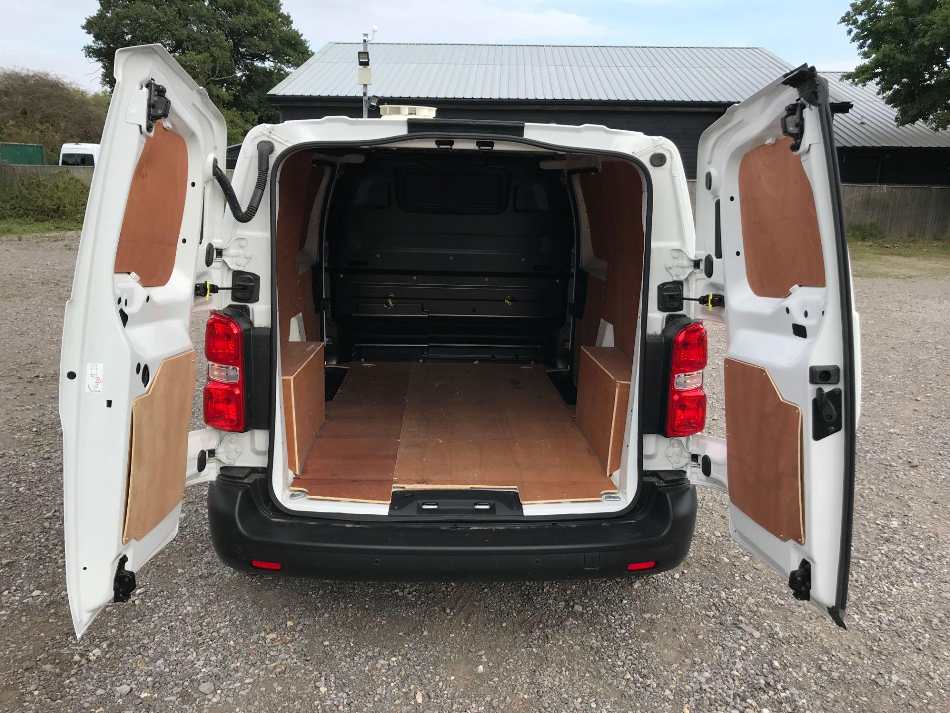2018 Peugeot Expert 1000 1.6 Bluehdi 95 Professional Van (NU68GFK) Image 11