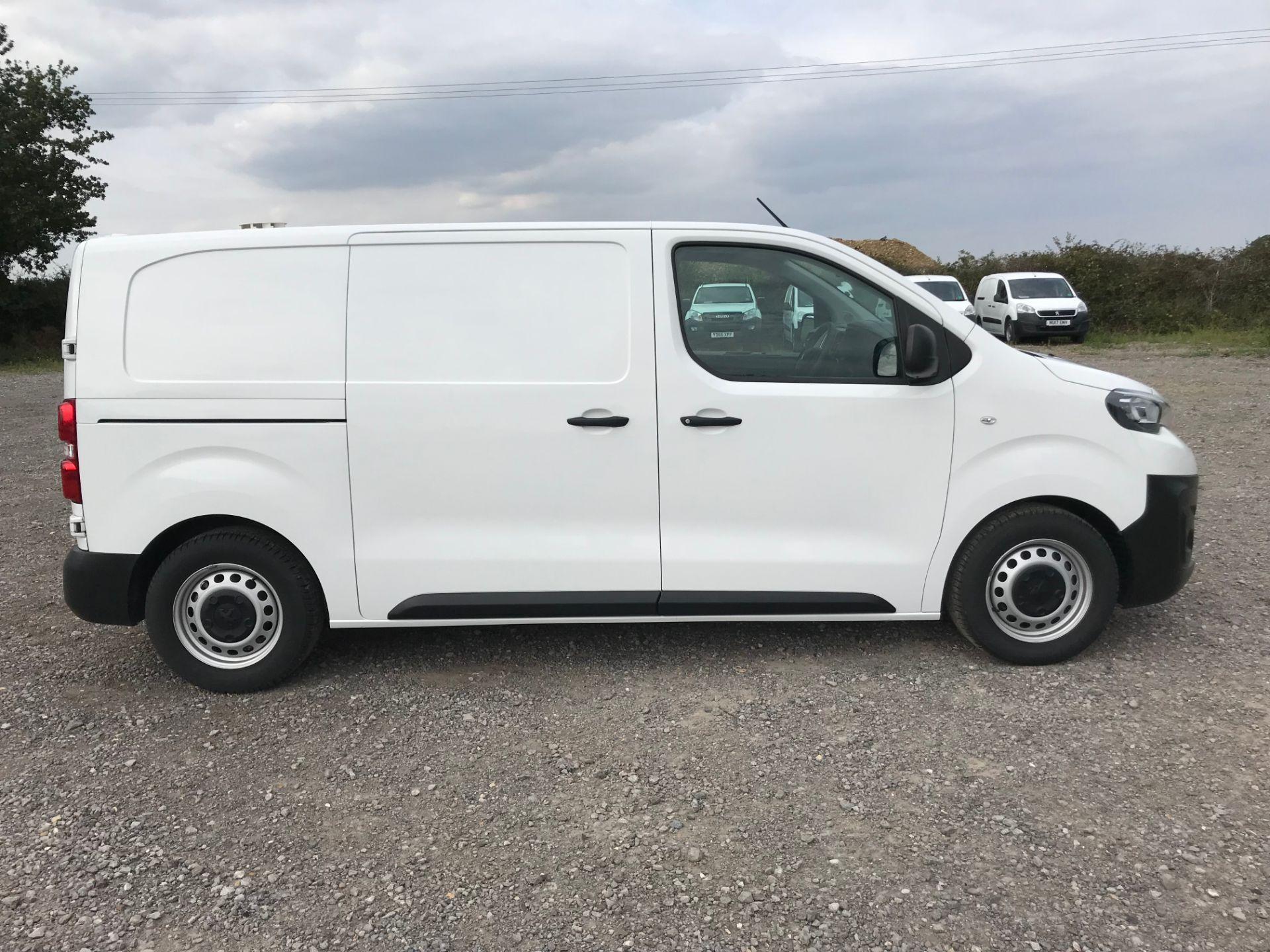 2018 Peugeot Expert 1000 1.6 Bluehdi 95 Professional Van (NU68GFK) Image 9