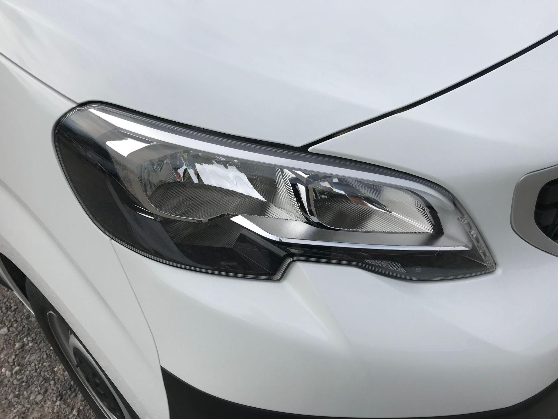 2018 Peugeot Expert 1000 1.6 Bluehdi 95 Professional Van (NU68GFK) Image 18