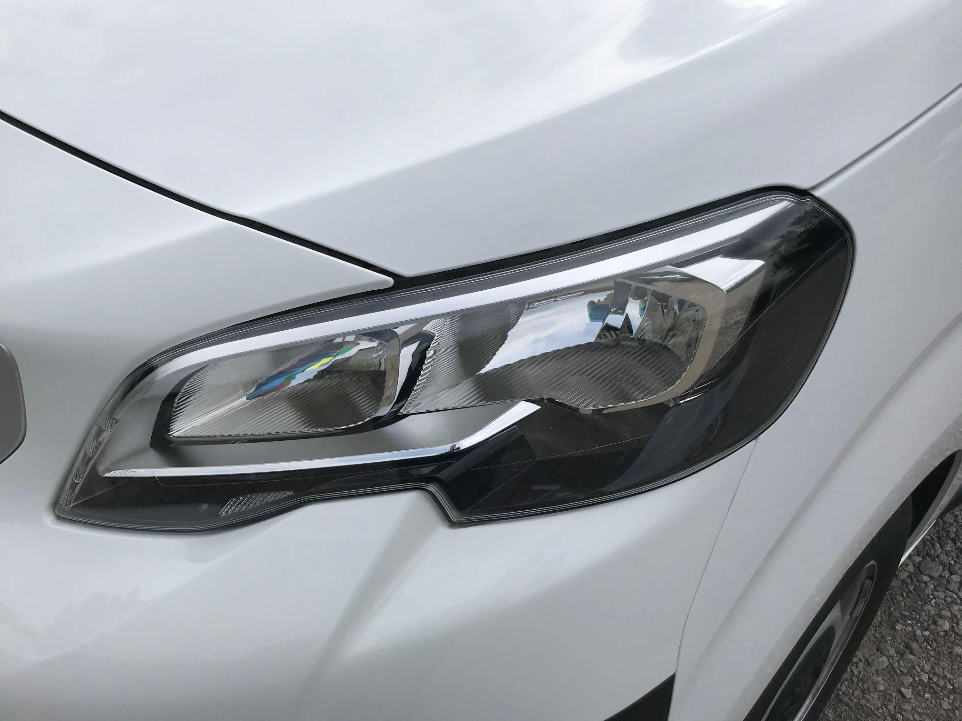 2018 Peugeot Expert 1000 1.6 Bluehdi 95 Professional Van (NU68GFK) Image 19
