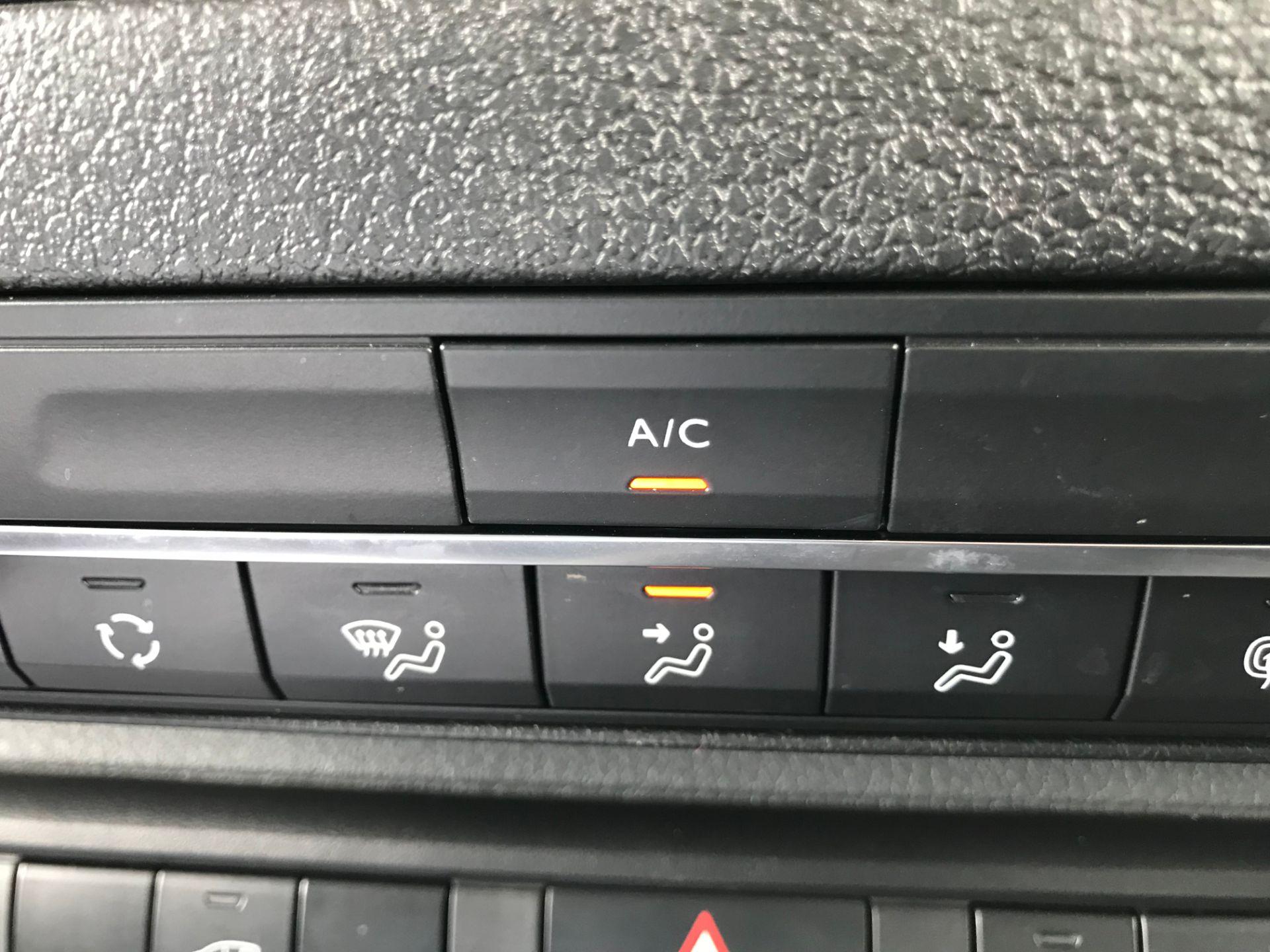 2018 Peugeot Expert 1000 1.6 Bluehdi 95 Professional Van (NU68GFK) Image 34