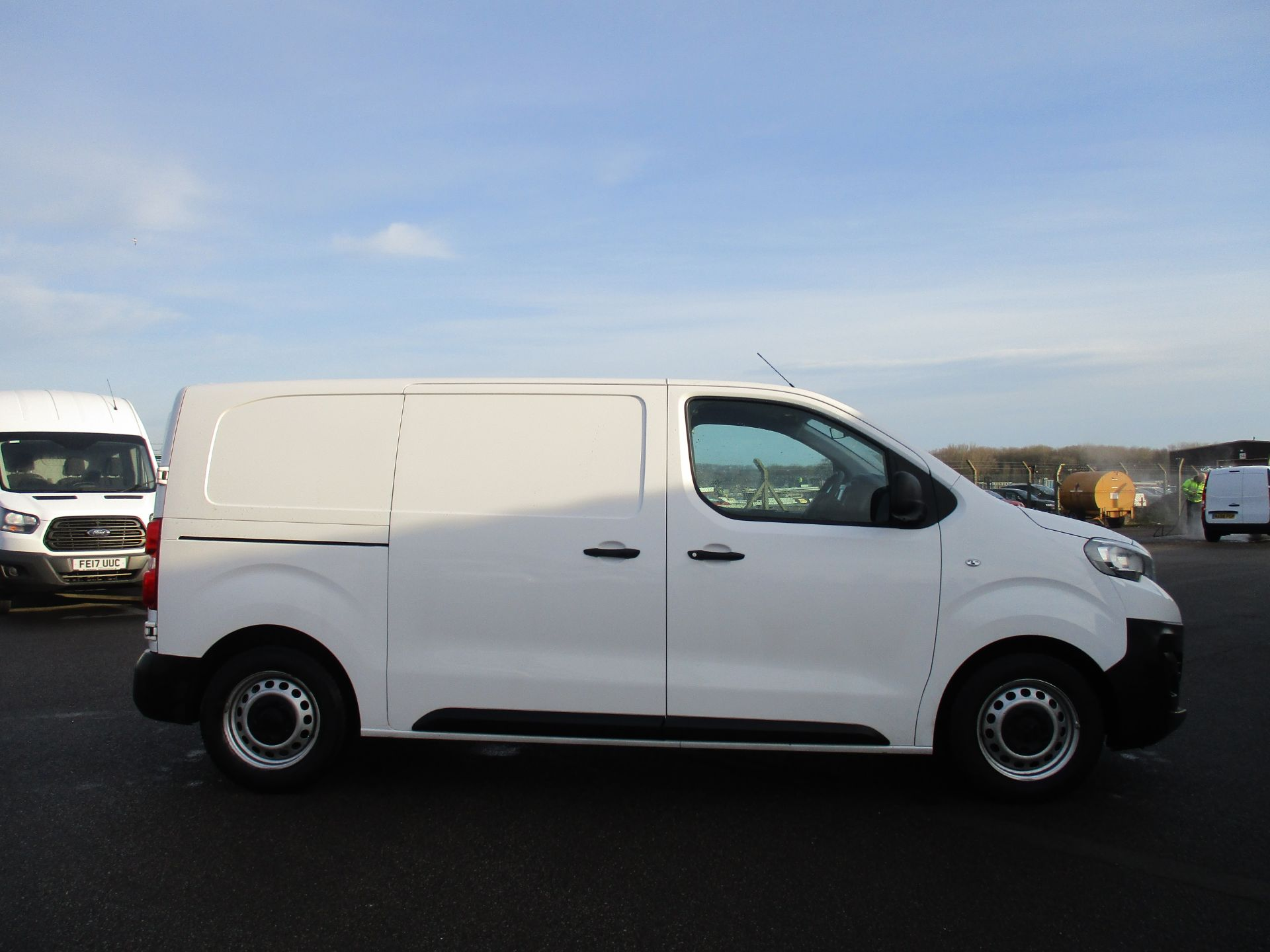 2018 Peugeot Expert STANDARD 1000 1.6 BLUE HDI 95 PROFESSIONAL EURO 6. AIR CON (NU68GHN) Image 4