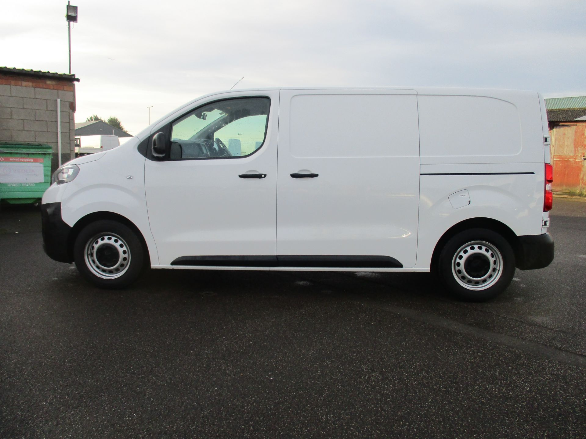 2018 Peugeot Expert STANDARD 1000 1.6 BLUE HDI 95 PROFESSIONAL EURO 6. AIR CON (NU68GHN) Image 8