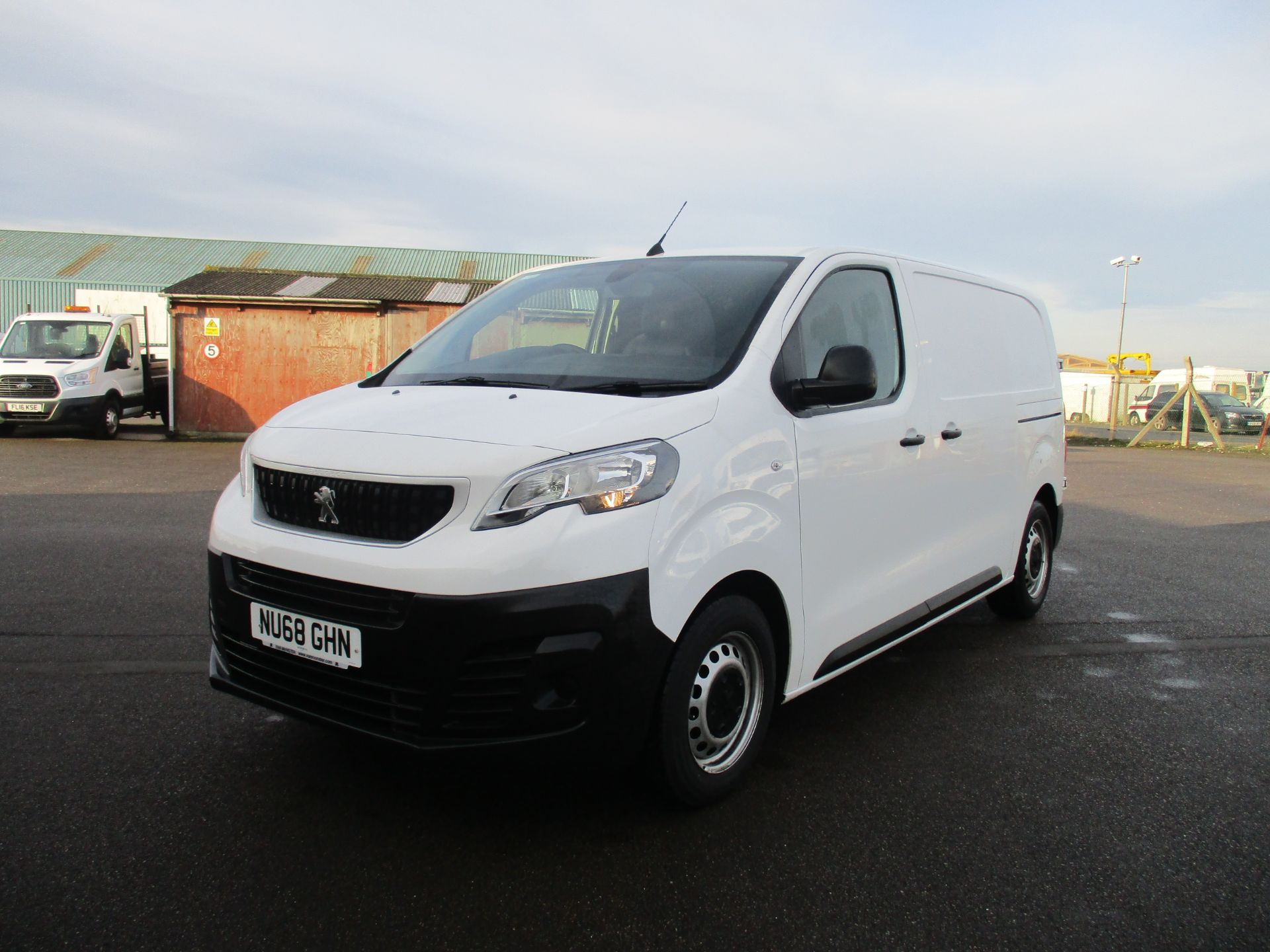 2018 Peugeot Expert STANDARD 1000 1.6 BLUE HDI 95 PROFESSIONAL EURO 6. AIR CON (NU68GHN) Image 3